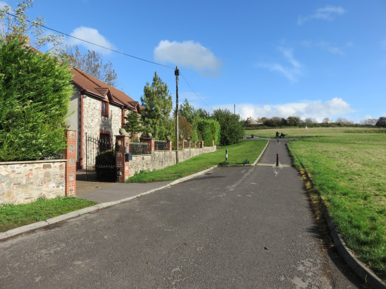 Arriving at Siston Common