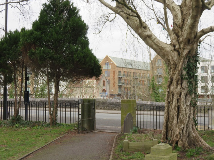 View across the New Cut from St. Paul's churchyard
